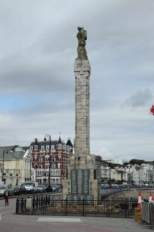 War Memorial Douglas