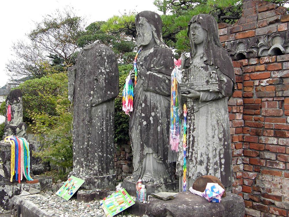 Statues Urakami Cathedral