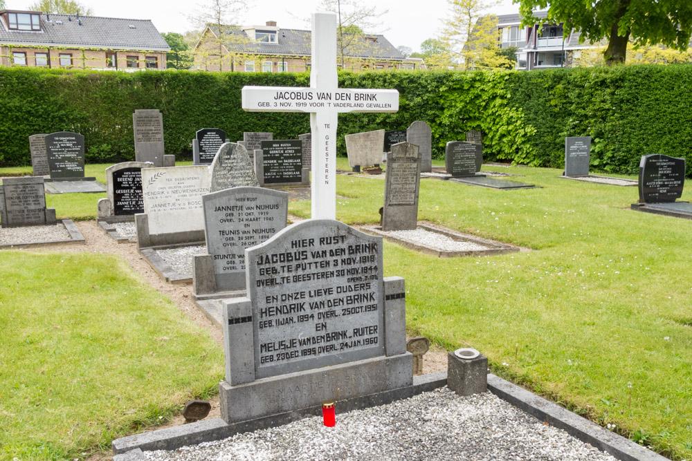 Nederlandse Oorlogsgraven Oude Algemene Begraafplaats Putten