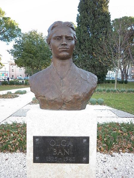 Buste Olga Ban