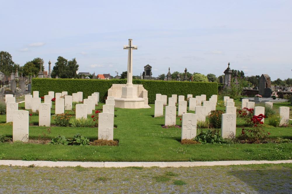 Frans Oorlogsgraf Leuze Communal Cemetery