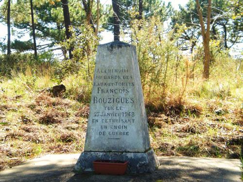 Monument Francois Bouzigues