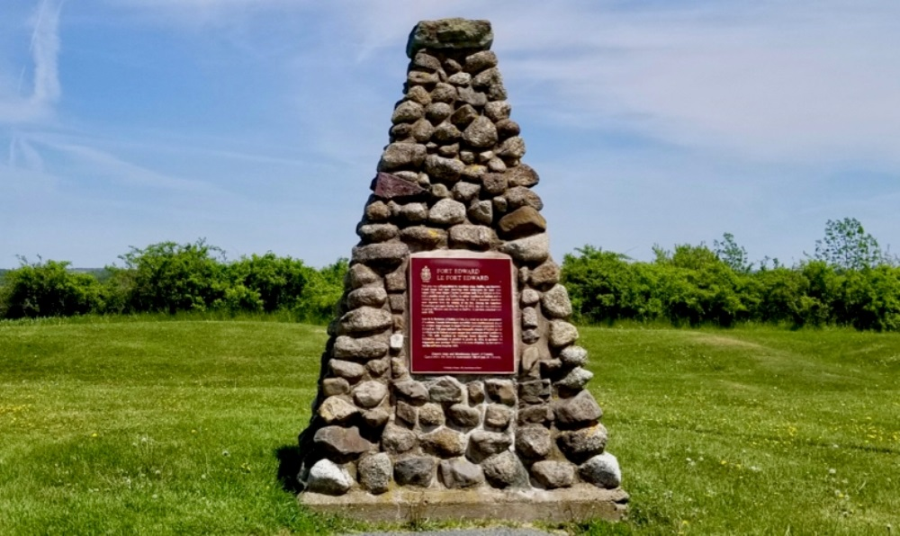 Monument Fort Edward