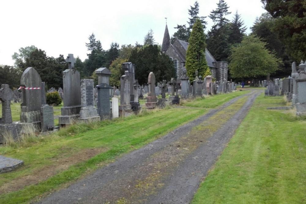 Commonwealth War Graves Logie Cemetery