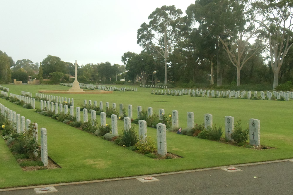 Commonwealth War Cemetery Perth