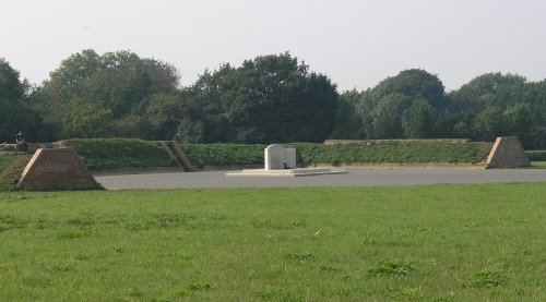 Monument RAF Kenley