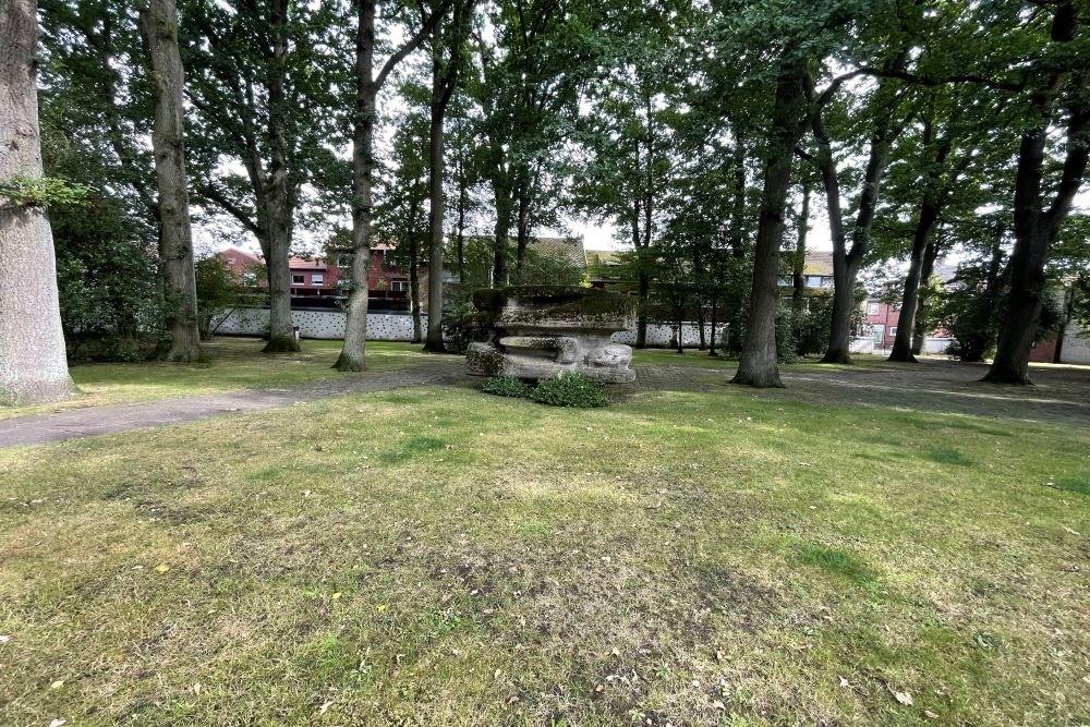 Cemetery Ehrenhain