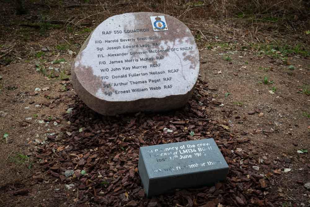 Monument Lancaster LM-134
