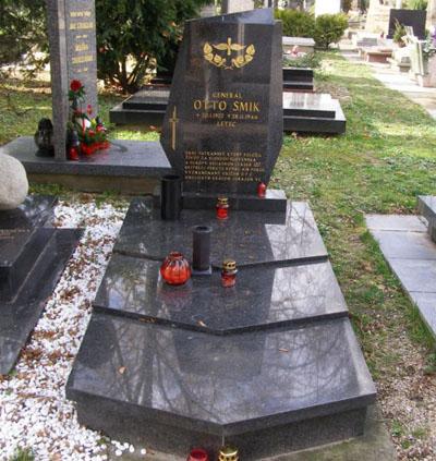 Grave Major General Otto Smik