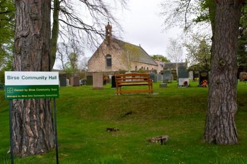 Commonwealth War Graves Birse Parish Churchyard