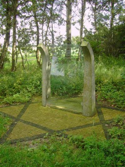 Monument Rijkswerkkamp Ybenheer