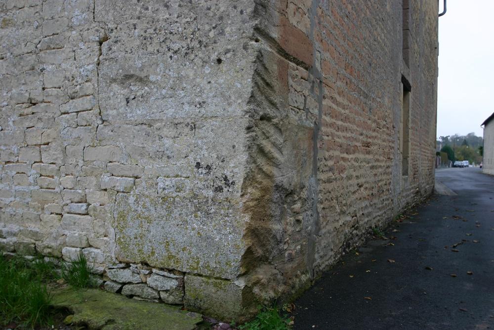 Sherman Tracks Afdruk in Muur
