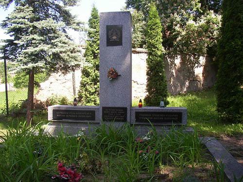 Collective Grave Soviet Soldiers Zvoleněves