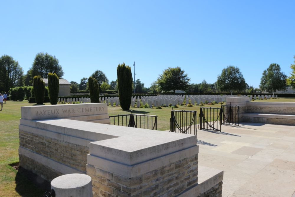 Oorlogsbegraafplaats van het Gemenebest Bayeux
