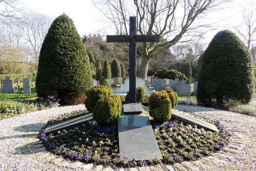 Memorial Arnemuiden Cemetery