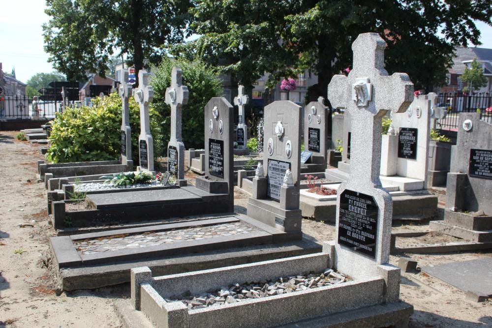 Graven Oudstrijders Kerkhof Zaffelare