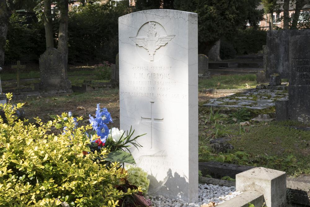 Oorlogsgraf van het Gemenebest Rooms Katholieke Begraafplaats Mariahof Renkum