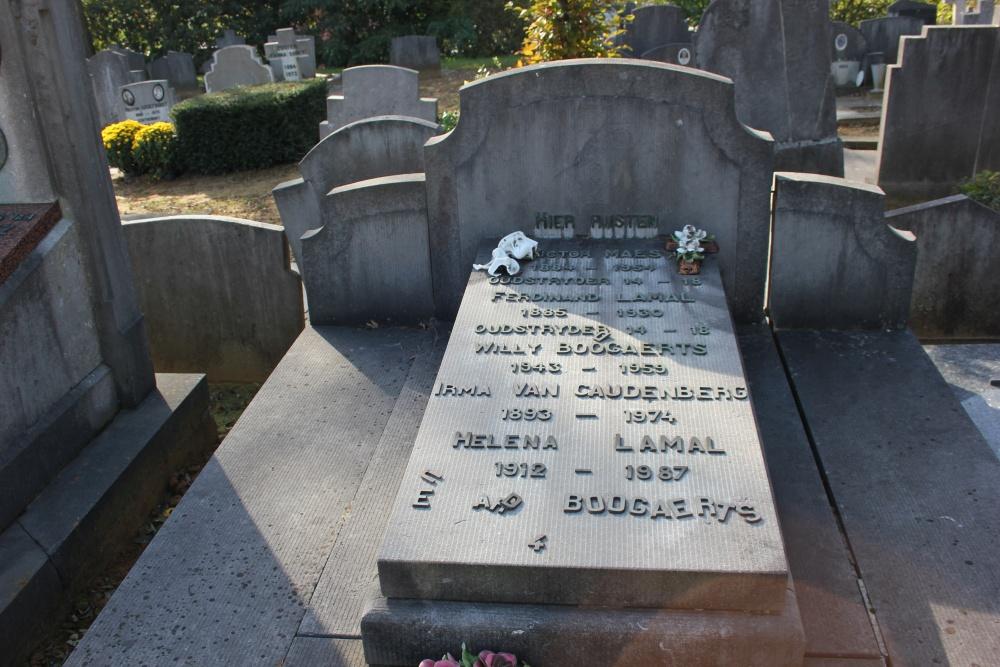 Veteran War Graves Overijse