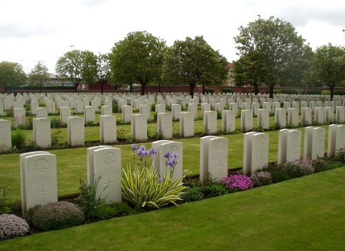 Commonwealth War Cemetery Cite Bonjean