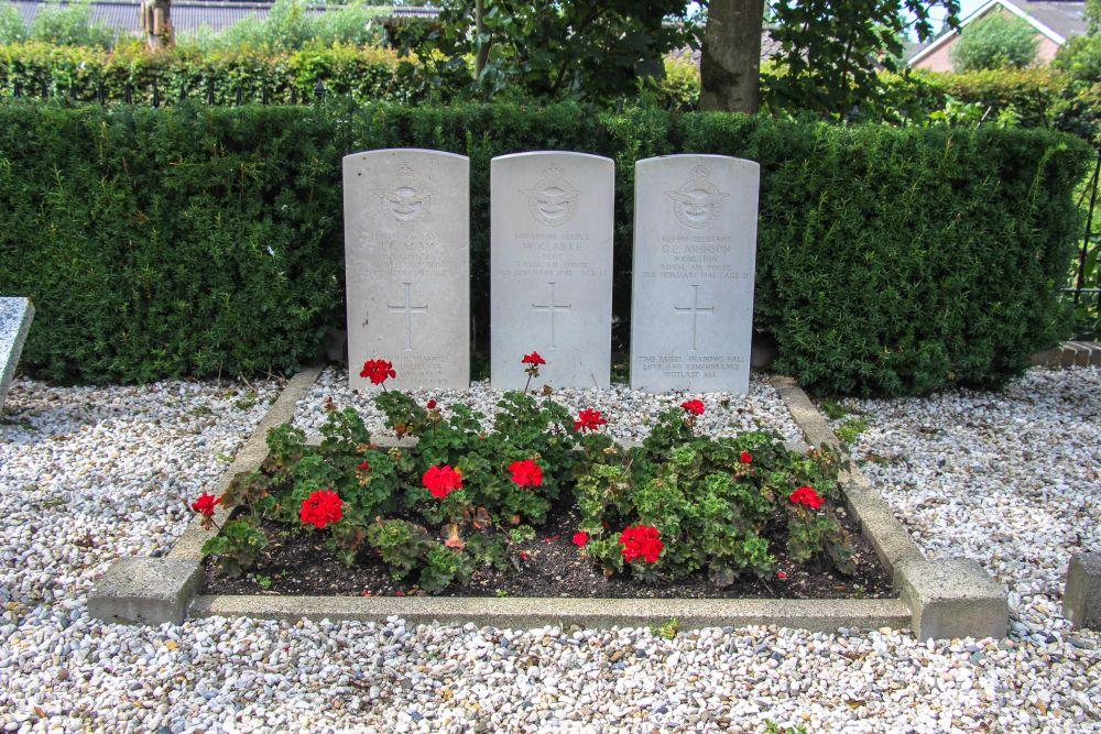 Commonwealth War Graves Reformed Churchyard Benschop
