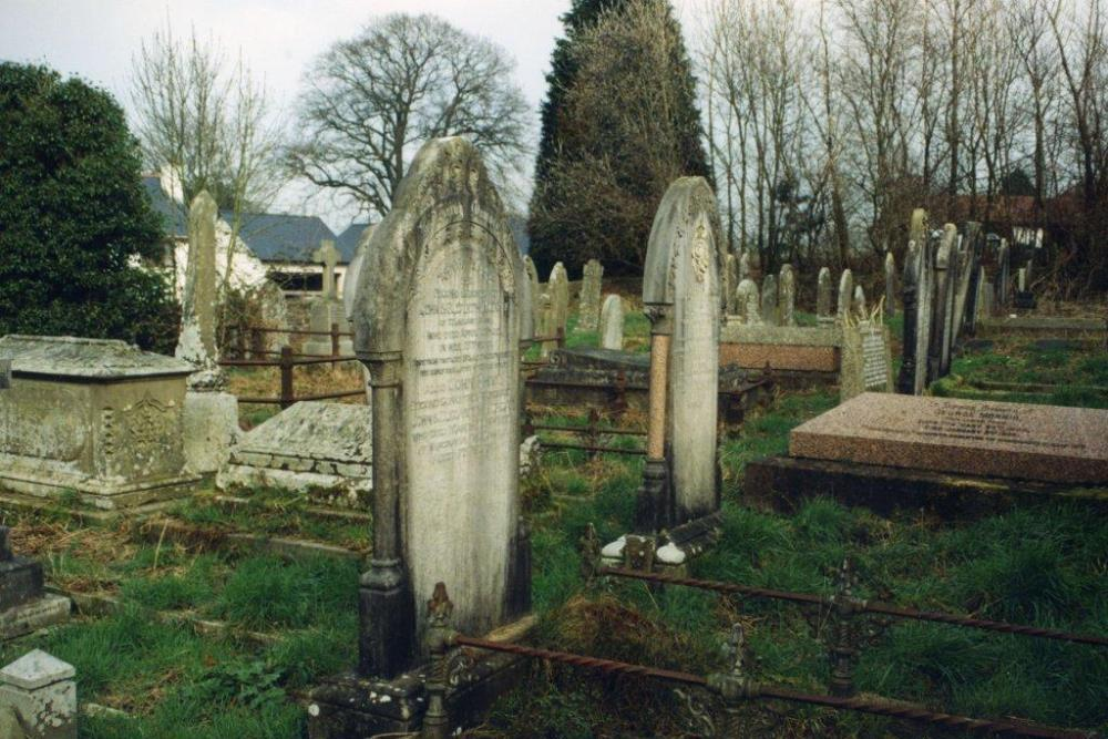 Commonwealth War Grave Tirzah Baptist Churchyard