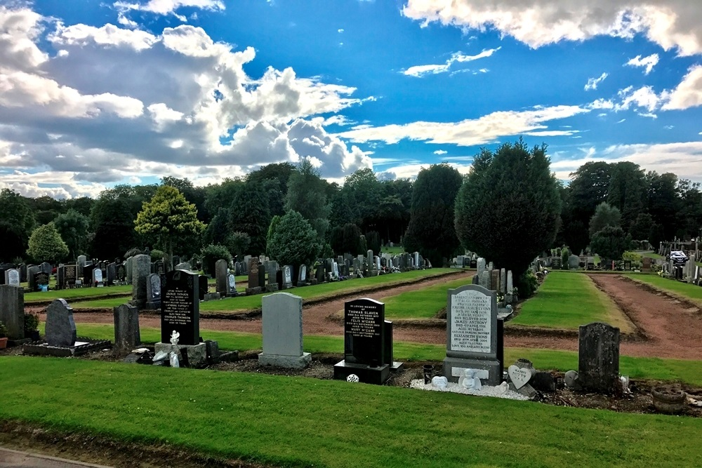 Commonwealth War Graves Bedlay Cemetery