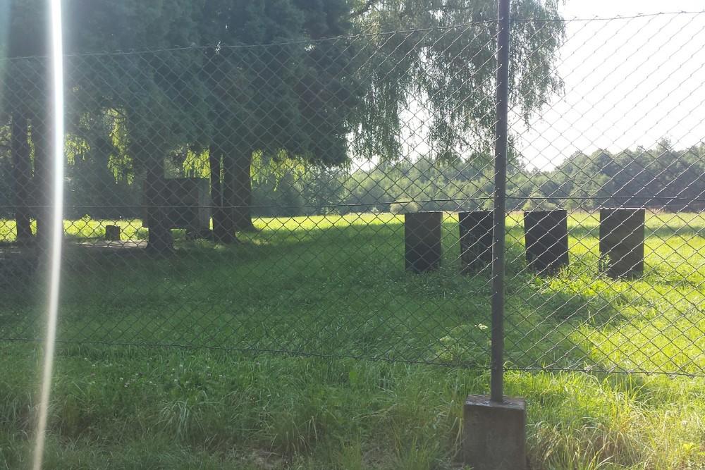 Russisch Monument & Massagraf Auschwitz