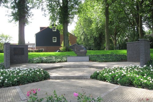 War Memorial Tholen