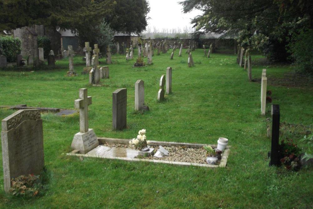 Commonwealth War Graves Holy Trinity Roman Catholic Cemetery