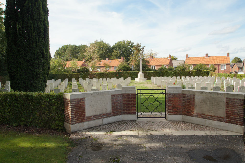 Commonwealth War Cemetery Milsbeek