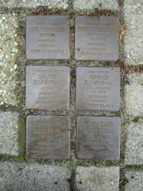 Stolpersteine Heinrich-Kloppers-Straße 11