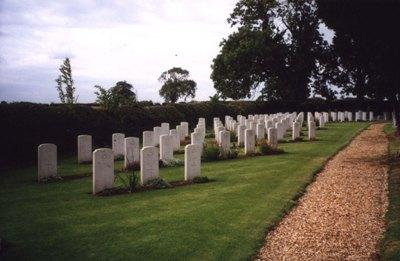 Oorlogsgraven van het Gemenebest St Nicholas Churchyard Extension