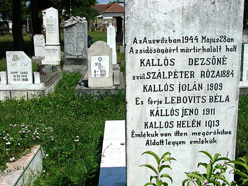 Graven Joodse Slachtoffers Holocaust