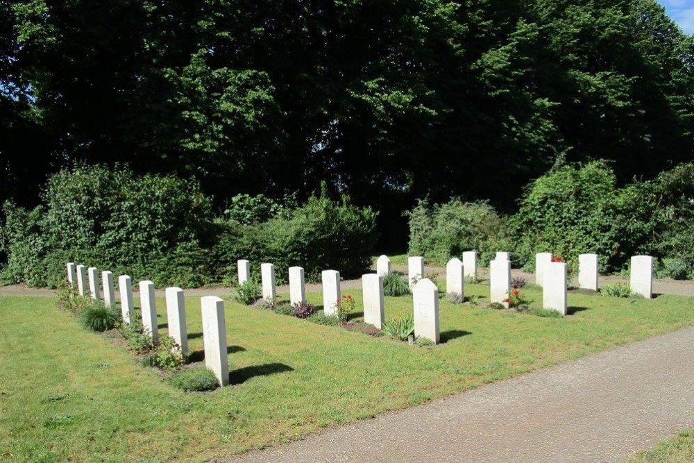 Commonwealth War Graves General Cemetery Lemmer