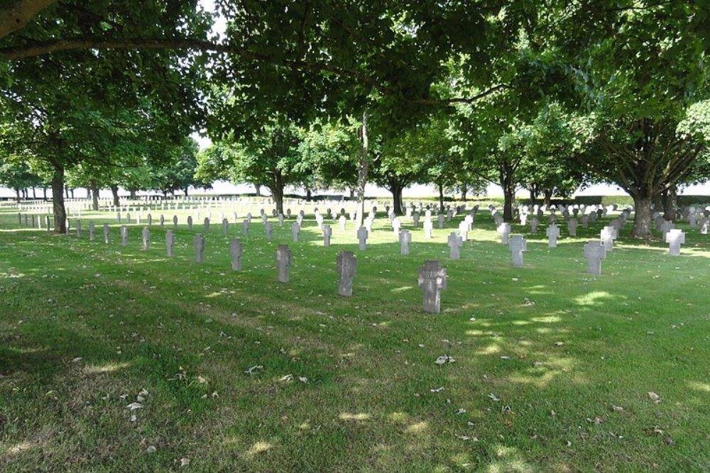 Duitse Oorlogsbegraafplaats Vauxbuin