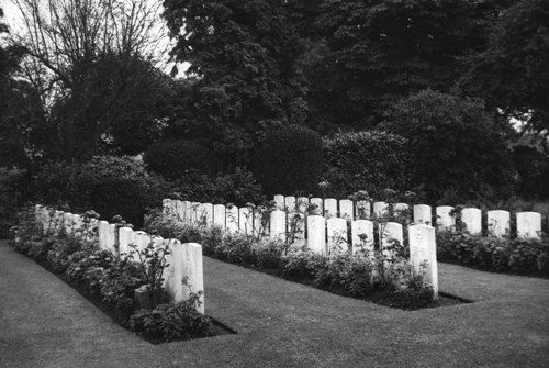 Commonwealth War Graves Canford Cemetery