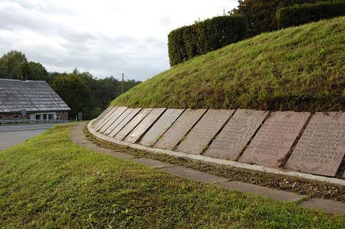 Sovjet Oorlogsbegraafplaats Helme