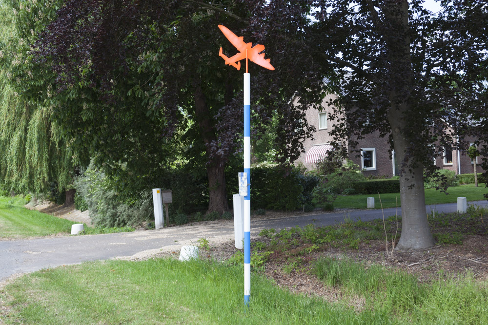 Crashlocatie Lancaster OF-B Tollebeek