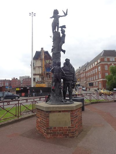 Monument Arthur Aaron