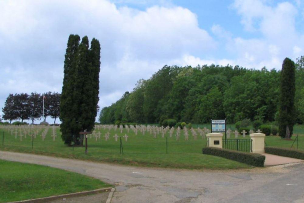 Franse Oorlogsbegraafplaats La Marfée