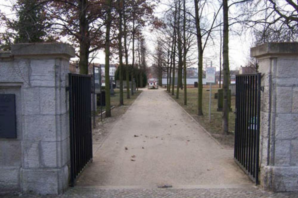Invalidenfriedhof (Invalids' Cemetery)