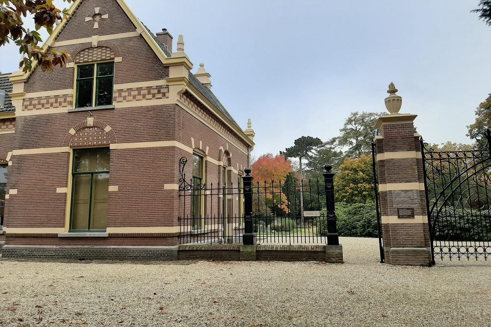 Nederlandse Oorlogsgraven Gemeentelijke Begraafplaats Hilversum