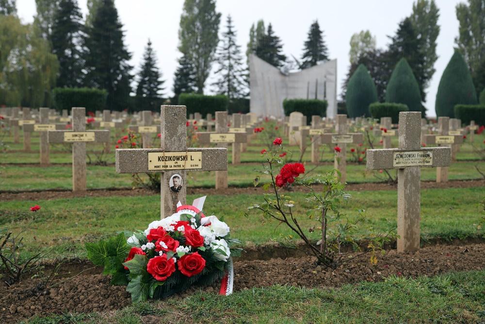 Poolse Oorlogsbegraafplaats Langannerie