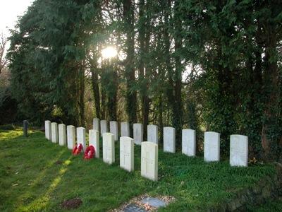 Commonwealth War Graves St. Piran Churchyard