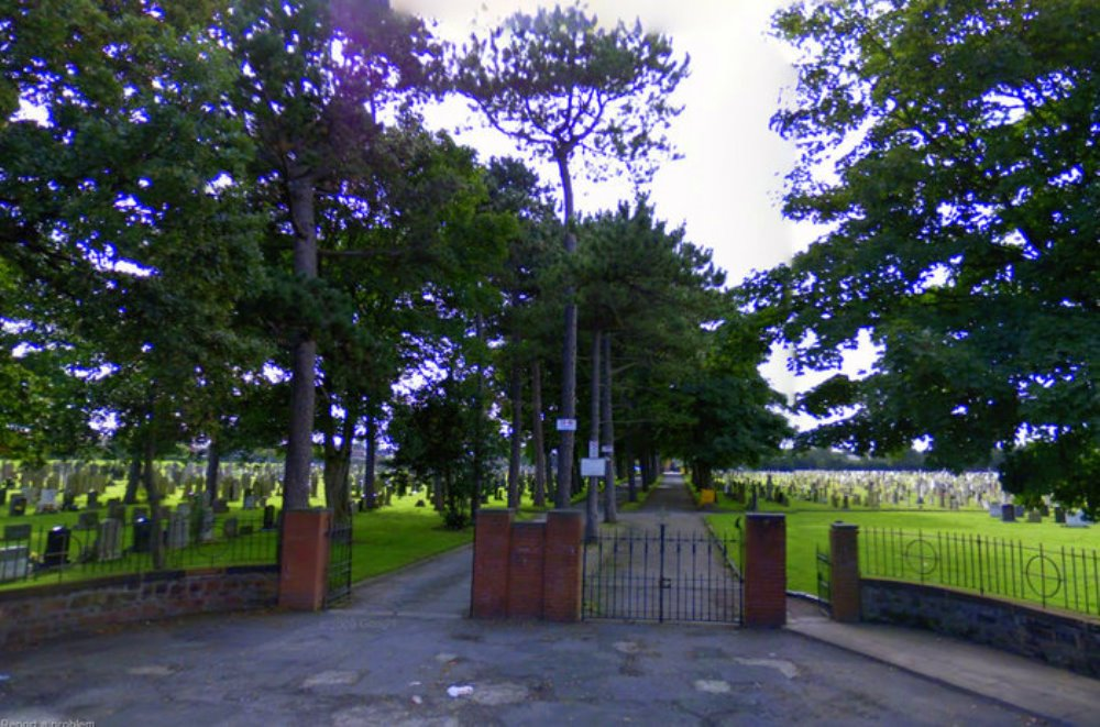 Commonwealth War Graves Yew Tree Roman Catholic Cemetery