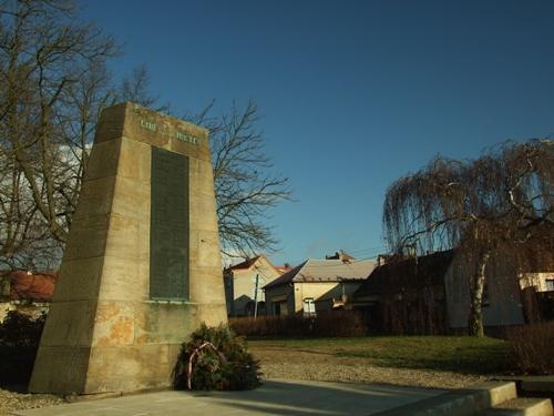 War Memorial Doksy