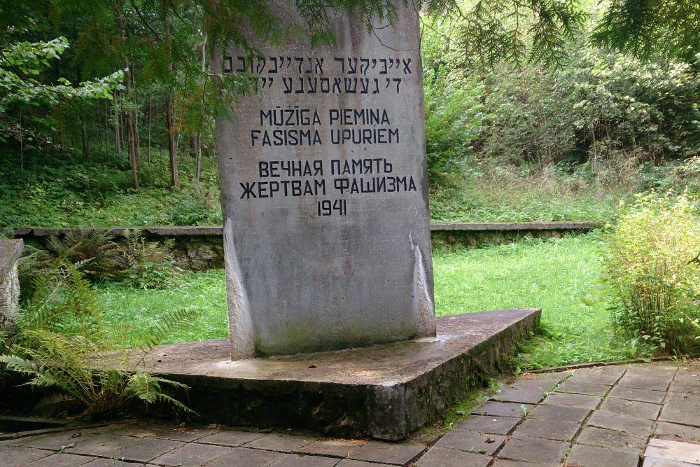 Monument Executieplaats Augustovka-ravijn