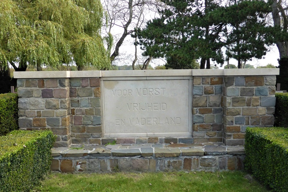 War Memorial Oostduinkerke Cemetery