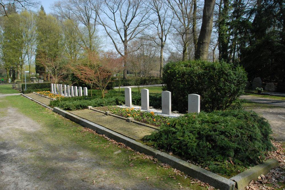 Commonwealth War Graves Municipal Cemetery Hellendoorn