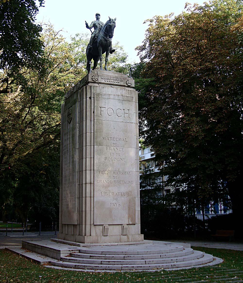 Monument Maarschalk Foch